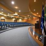 Imagem interna do Auditório Azul. Foto: Erika Koch / USP Imagens.